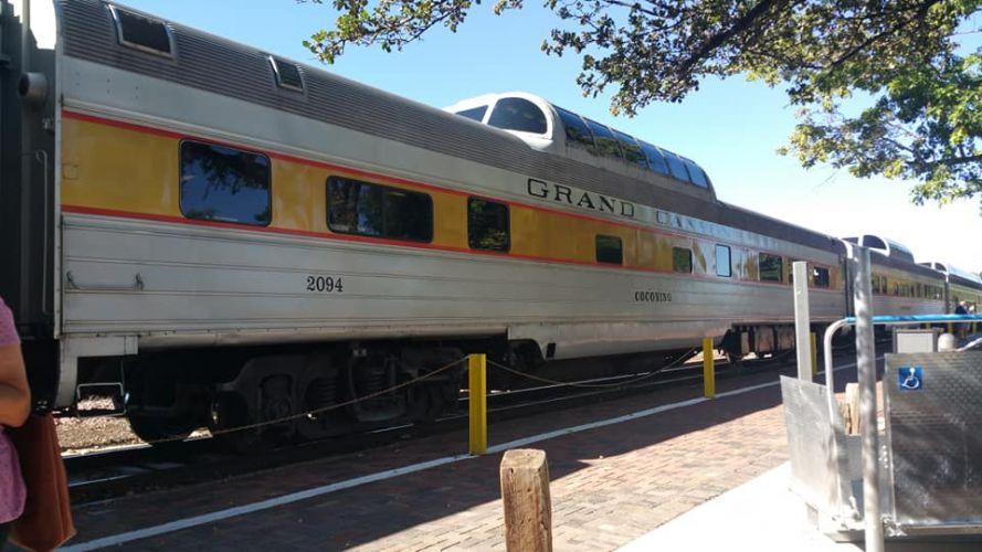 C-J_Canyon_Train2