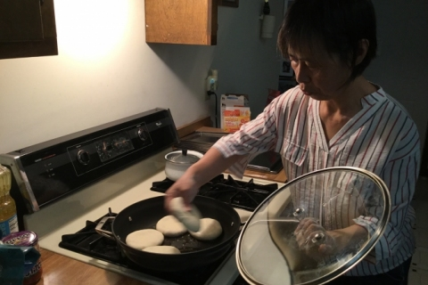 Yan_Making_Pizza2